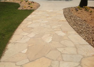 Natural Stone - Walkway made with Flagstone