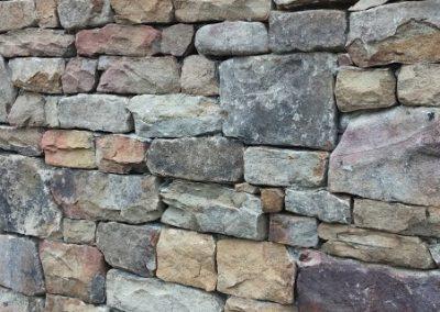 Natural Stone - Wall veneered in Thin Cut Natural Stone